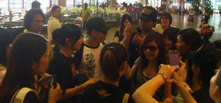 SingaporeAirportPaul.JPG